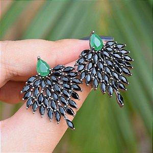 Brinco coração cristais verde esmeralda e preto ródio negro semijoia
