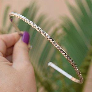 Tiara fina metal torcido prateado