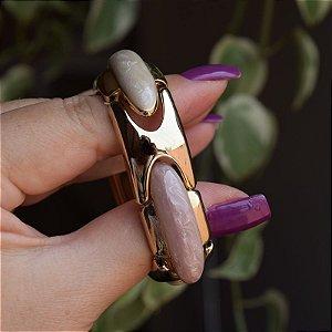 Bracelete metal esmaltado madrepérola com dourado
