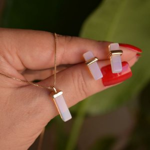 Colar e brinco geométrico pedra natural opalina ouro semijoia