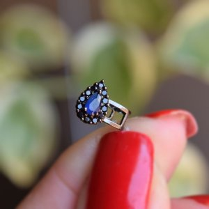 Piercing de encaixe cristal gota azul ródio negro semijoia