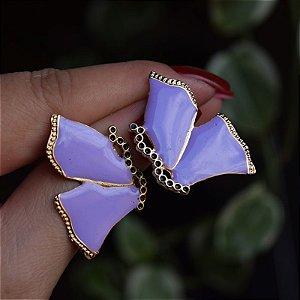 Brinco borboleta metal esmaltado lilás