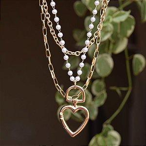Colar triplo corrente pérolas coração ouro semijoia