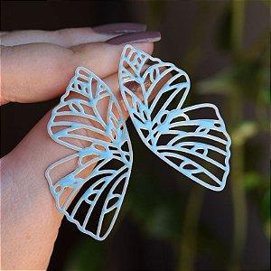 Brinco borboleta vazada esmaltada azul dourado