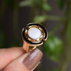 Anel geométrico pedra natural madrepérola ouro semijoia