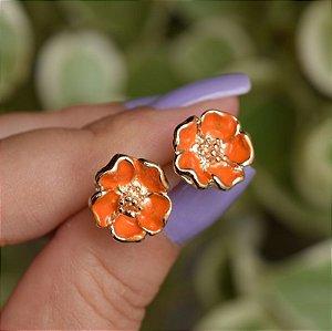 Brinco florzinha esmaltada laranja