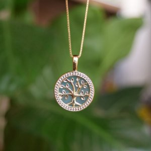 Colar árvore da vida pedra natural ágata azul céu ouro semijoia