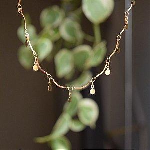 Colar moedinhas penduricalhos ouro semijoia
