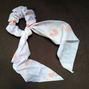 Elástico para cabelo scrunchie tie dye lilás 560297