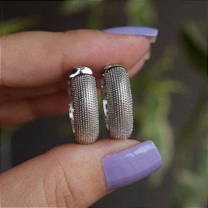 Brinco argola metal texturizado ródio semijoia 3375