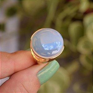 Anel redondo pedra natural opalina perolada ouro semijoia