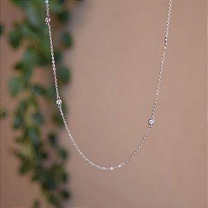 Colar curto cristais ródio semijoia