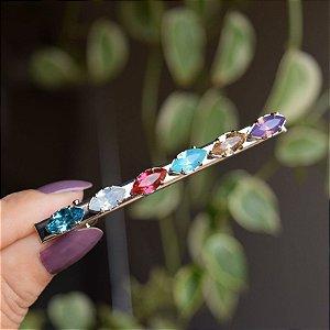 Presilha bico de pato metal prateado cristais coloridos