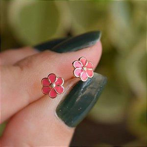 Brinco infantil florzinha esmaltada rosa ouro semijoia