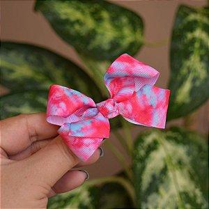 Presilha bico de pato infantil tie dye rosa e azul