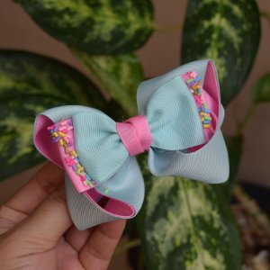 Presilha bico de pato infantil laço verde água com rosa