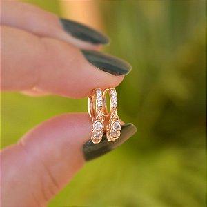 Brinco argolinha penduricalhos cristais ouro semijoia 20A03038