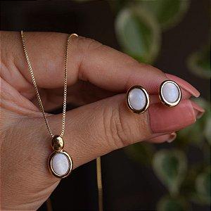 Colar e brinco oval pedra natural madrepérola ouro semijoia