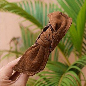 Tiara laço removível tecido oncinha com laço marrom