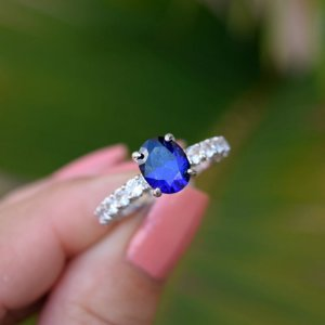 Anel solitário zircônia azul prata 925