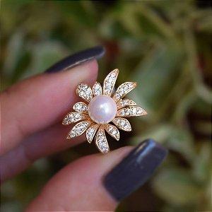 Broche flor pérola e zircônia ouro semijoia 18k15015