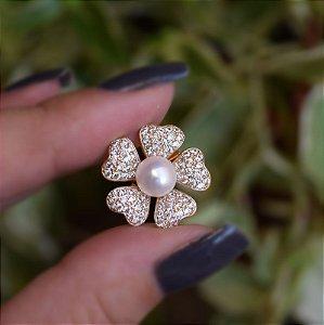 Broche flor pérola e zircônia ouro semijoia 18k15014