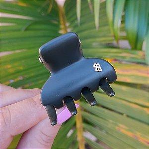 Piranha de cabelo Bianca acrílico verde militar fosco 05 067