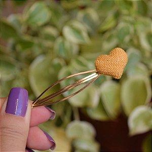 Grampo coração tricô amarelo