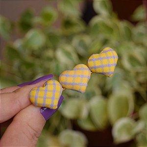Presilha bico de pato coração vichy amarelo