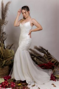 Vestido de Noiva Semi-Sereia com decote nas costas - LAURA