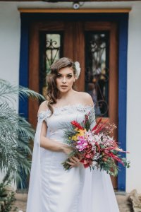 Vestido de Noiva Minimalista Ombro a Ombro Branco Liso - VICTÓRIA