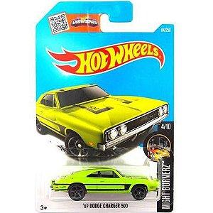 Carrinho Hot Wheels Básico Sortido C4982 Mattel