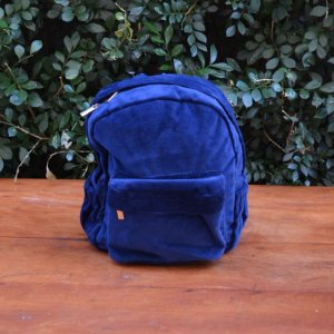 Mochila em Plush Azul Marinho - Pequena