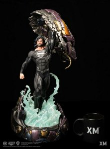 DC Premium Collectibles Rebirth Series - Recovery Suit Superman - Escala 1/6