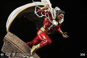 DC Premium Collectibles Rebirth Series - Shazam! - Escala 1/6