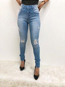 Calça Jeans Délavé com botões forrados e Rasgadinhos