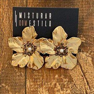 Brinco Flor Metal Esmaltada Grande - Dourada