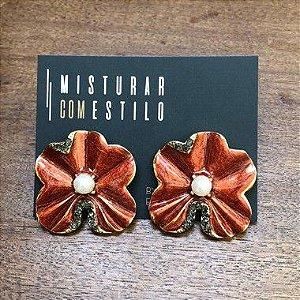 Brinco Flor Metal Esmaltada Pequena - Vermelho Cintilante