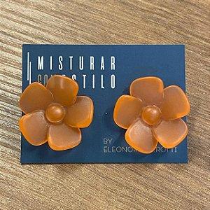 Brinco Flor de Resina Aberta Pequena - Fosco - Laranja