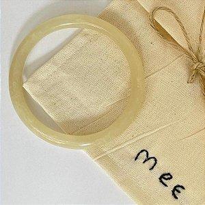 Bracelete Fino de Resina - Off Semi-transparente