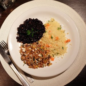 Arroz Negro, Cuscuz Marroquino e Salada de Grãos