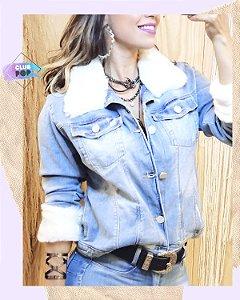 Jaqueta Jeans clara com detalhe em pelo