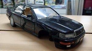 Road Tough - Lexus LS400 (Sucata sem as rodas da frente) - 1/24