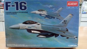 Academy - F-16 - 1/144 (Sucata)