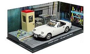 Coleção James Bond 007 Eaglemoss - Toyota 2000GT - Com 007 Só Se Vive Duas Vezes - 1/43