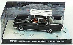 Coleção James Bond 007 Eaglemoss - Mercedes-Benz 220S - 007 À Serviço Secreto de sua Majestade - 1/43