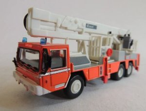 Ixo - Caminhão CBEA Renault COMET 1981 - 1/73