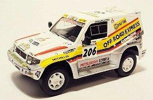 Ixo - Mitsubishi Pajero 4x4 - Rally Paris-Dakar 1998 - 1/43