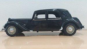 Maisto -Citroën 15CV 6 Cyl. 1952 - 1/18 (sem caixa)
