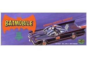 Batman Classic Batmobile (Purple box) - 1/32 - NOVIDADE!